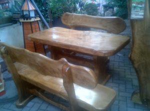 Kleine Garnitur Holz